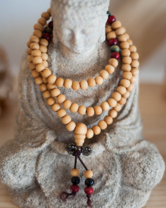 Stretchy Wood Mala - light brown, red and green