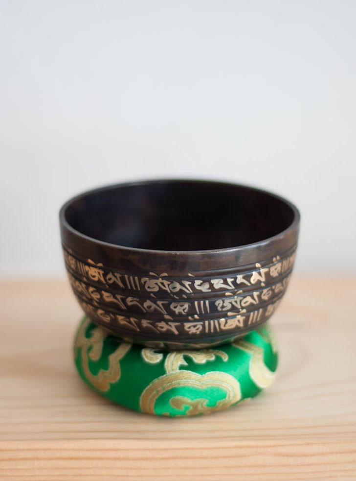 Heart Chakra Singing Bowl - ornate