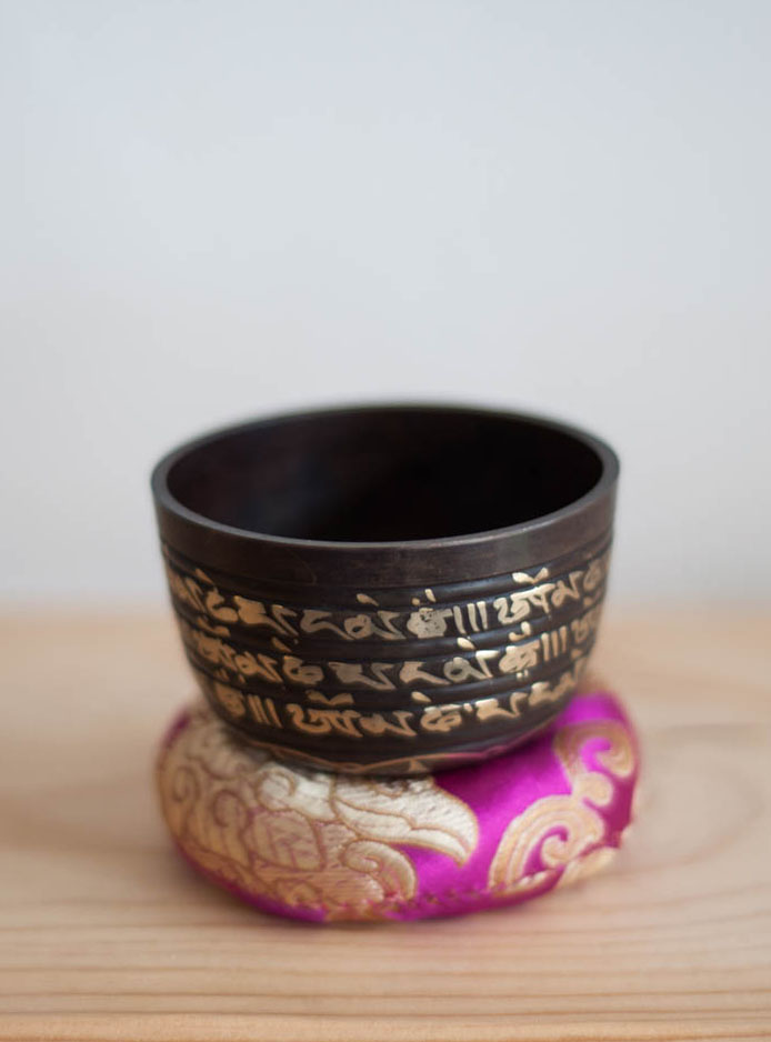 Crown Chakra Singing Bowl - ornate