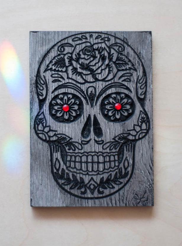 Sugar Skull Crystal Grid Base Gray